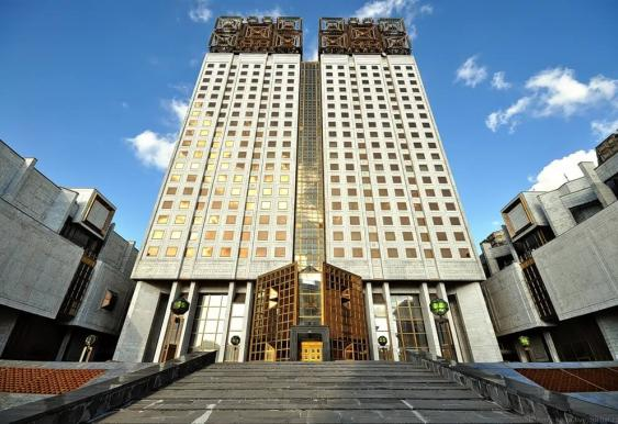 В Москве планируют разрешить коммерческую застройку земель РАН